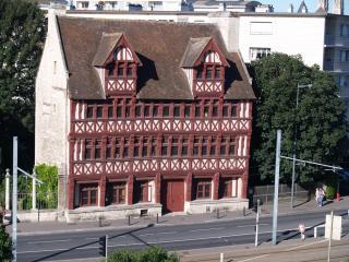 La Maison Des Quatrans