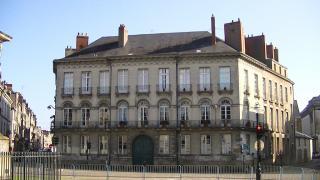 Place Marechal- Foch
