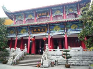Baotong Temple And Hongshan Tower
