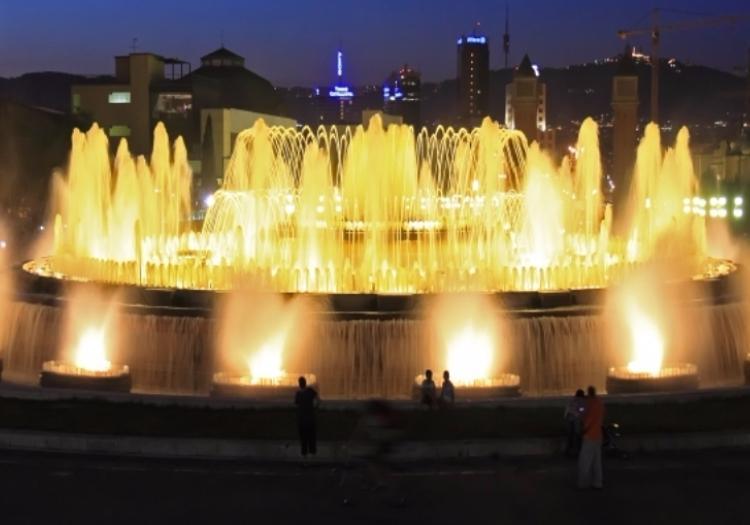The Magic Fountain Night Tour - Barcelona