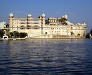 16 Day Trip to Agra, Delhi, Udaipur, Zanzibar from Los Angeles
