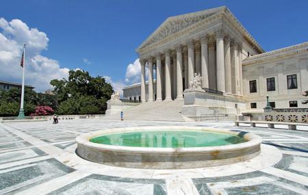 Us Supreme Court Building Image