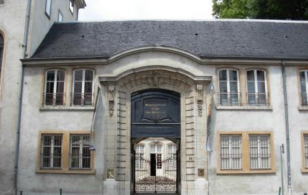 Museum Of Textiles And Decorative Arts Or Musee Des Tissus Et Des Arts Décoratifs Image