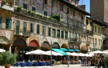 Piazaa Del Erbe, Verona