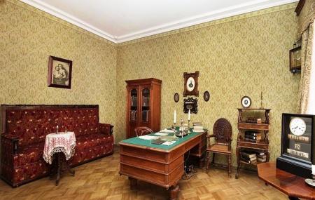 Dostoevsky Museum Image