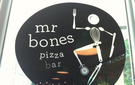 Mr. Bones, Airlie Beach