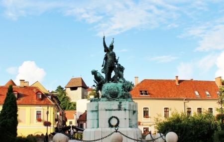 Dobo Square Image