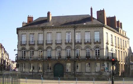 Place Marechal- Foch Image