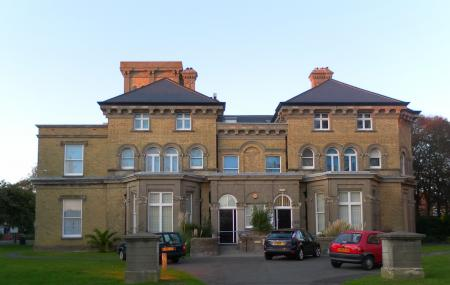 Hove Museum And Art Gallery , Hove