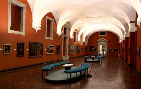Prague Picture Gallery Image