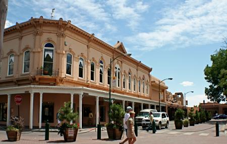 Santa Fe Plaza Image