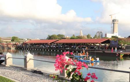 Pettah Floating Market Image