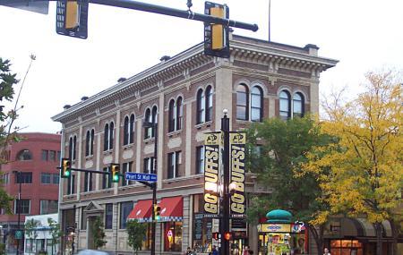 Pearl Street Image