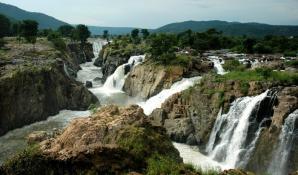 Aruvikuzhi Waterfalls, Kumarakom