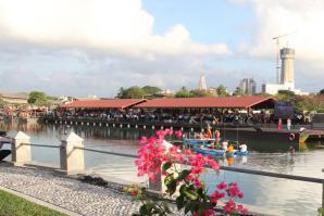 Pettah Floating Market, Colombo